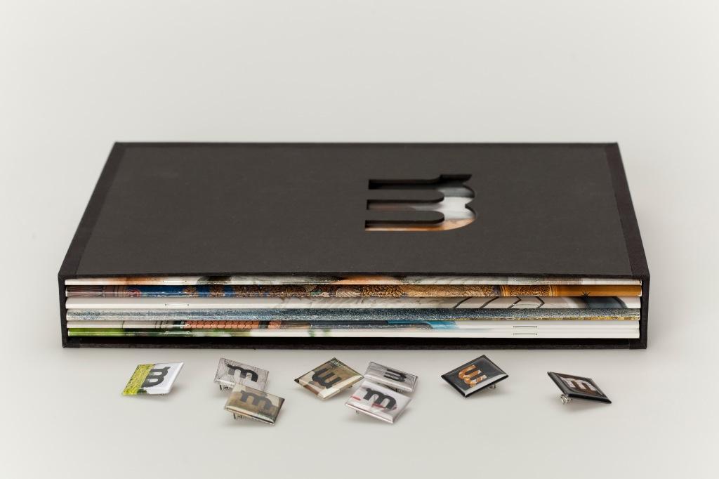 Schuber mit Heften, Buttons, Dokus Feinkonzept, Grobkonzept, Recherche